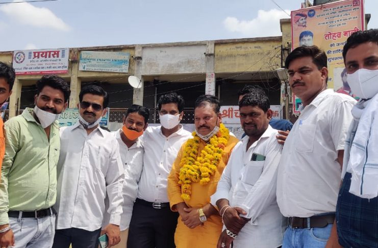 Javad News : Under the leadership of Dhakad Yuva Sangh, Mr. Patel and Dancer Uday were given a grand welcome