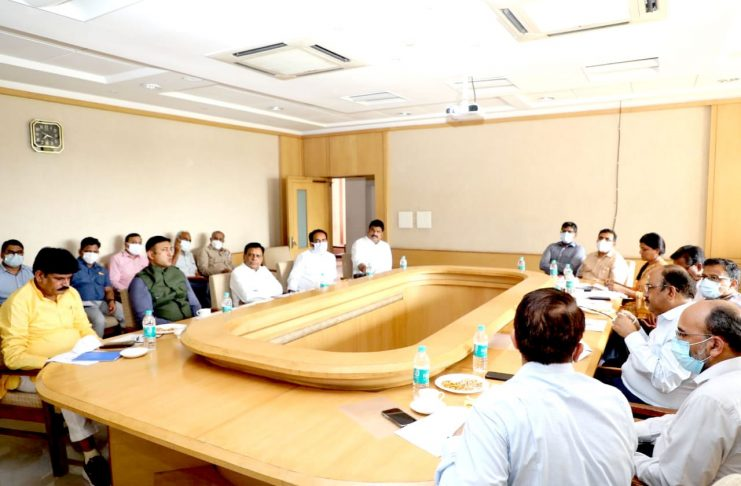 Many issues were discussed in the meeting of Ministers of Revenue Earning Group of self-reliant Madhya Pradesh