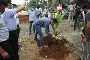 Municipal commissioner did tree plantation on the occasion of World Environment Day