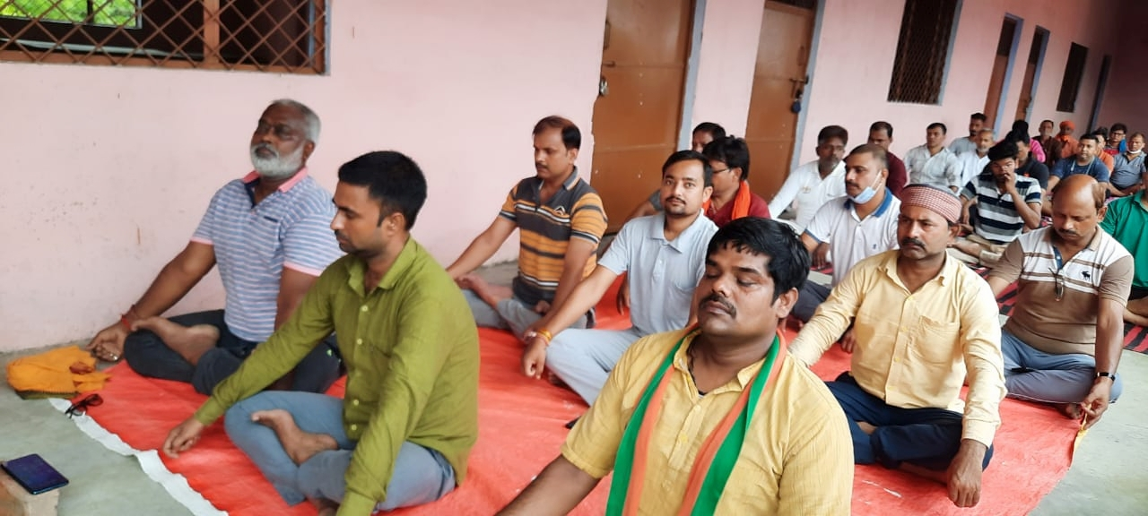 Post covid yoga camp organized by BJP Salempur on the occasion of International Yoga Day