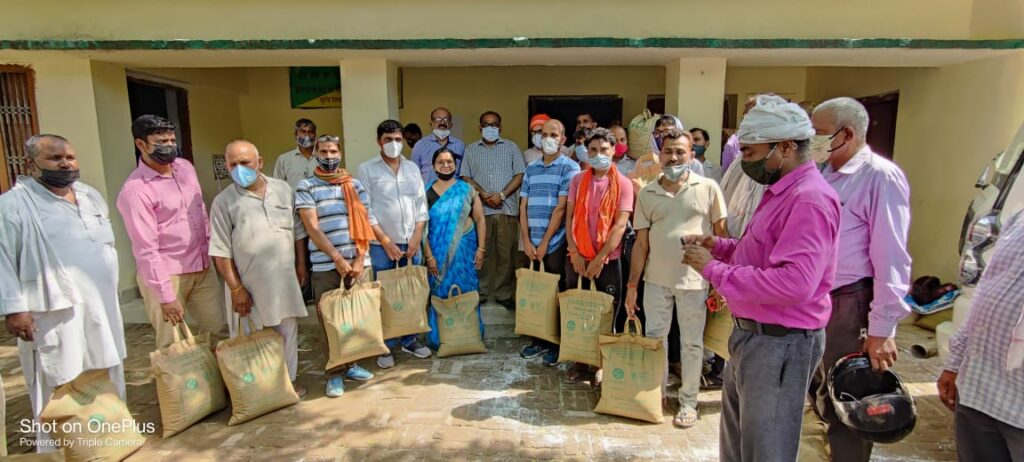 Sadar MLA distributed advanced paddy seeds to the farmers at the state agricultural seed store