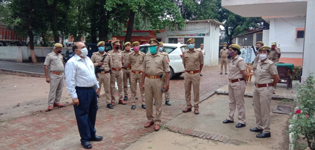 Surprise inspection of police station Mayal by Superintendent of Police Deoria
