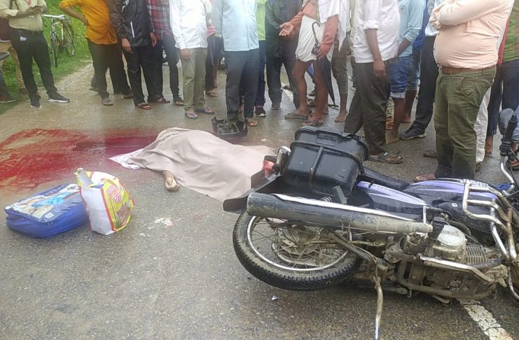 Traumatic death of a young man riding a bike in a collision between a truck and a bike