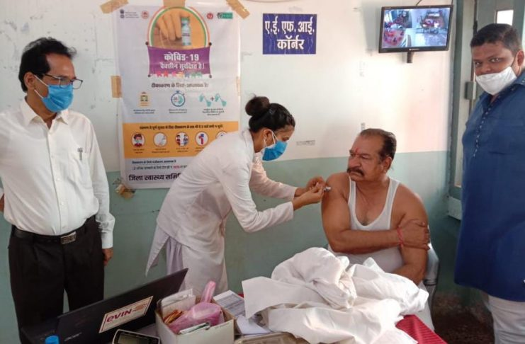 Neemuch news MLA Parihar got the second dose of Kovid done, the safety cycle of protection from Corona is the vaccine of Kovid